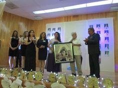 Apadrina Hugo Castro a graduados de primaria