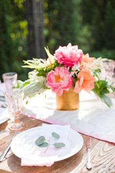 Orange County backyard baby shower | Flowers by Sea of Blossoms | Candice Benjamin Photography | 100 Layer Cakelet
