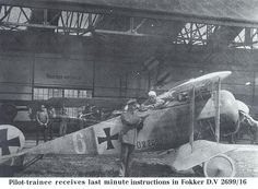 Pilot trainee receives last minute instructions in Fokker D.V 2699/16