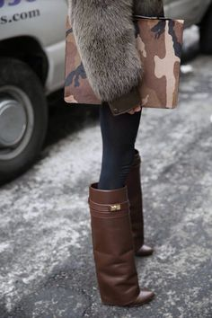 NEED a pair of Givenchy shark boots for next Fall! Fur Fashion, Fall Fashion Trends, Fashion Details, Love Fashion, Womens Fashion, Cher Horowitz, Givenchy Shark, Givenchy Boots, Winter Stil