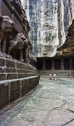 Kailasanath Caves in Ellora.   INDIA.    (via Flickr.)