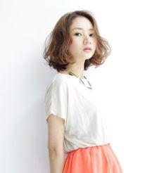 髪型/ヘアスタイル/Hairstyle/長めのボブスタイルにゆるめのパーマをかけて、優しい印象に。