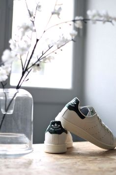 I like this trainers ! The trend of this moment ! With a jean and a skirt is just beautiful ! #Stan Smith