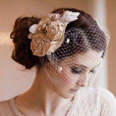 Tocados de novia: el toque más personal. Nuevo post en el blog #Innovias #tocados #novias #ideas #bodas