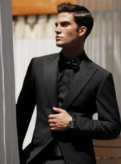 Men's black on black suit, shirt and now tie...so classy.