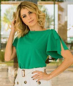 Blusa com laço, blusa branca, camisas de manga curta, blusa de manga curta, African Fashion Dresses, Fashion Outfits, Womens Fashion, Blouse Styles, Blouse Designs, Bluse Outfit, Look Office, Summer Outfits, Cute Outfits