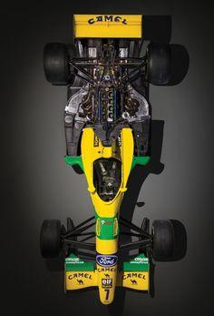 Racing Helmets, F1 Racing, Benetton, Formula 1 Car Racing, F1 Wallpaper Hd, Ferrari F1, Michael Schumacher, Ford, Car Photos