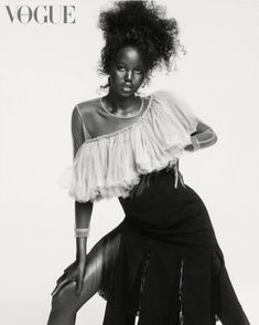 High Fashion Poses, Fashion Model Poses, Fashion Models, Fashion Pics, Dope Fashion, Fashion Images, Fashion Outfits, Vogue Uk, Vogue Russia
