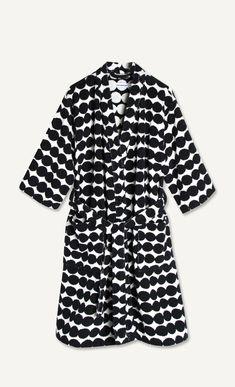 rasymatto bathrobe black – Marimekko Vancouver Marimekko, Vancouver, Raincoat, Comfy, Bath, Black And White, Cotton, Clothes, Fashion
