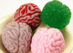 DIY brains soap, perfect for Halloween or a zombie party. Holidays Halloween, Halloween Crafts, Halloween Party, Halloween Bottles, Halloween Season, Vintage Halloween, Halloween Decorations, Zombie Apocalypse Party, Zombie Party