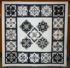 2011 Raffle quilt, Washington State Quilters - Spokane Chapter.  Posted by Laura Conowitch at LC's Cottage