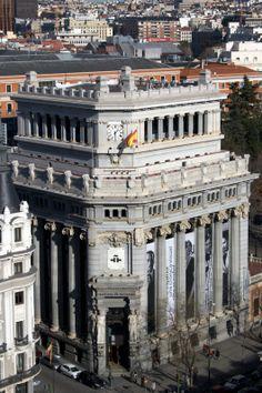 Instituto Cervantes Neoclassical Architecture, Spanish Architecture, Vintage Architecture, Architecture Art, Foto Madrid, Real Madrid, Classic House Design, Country Scenes, City Landscape