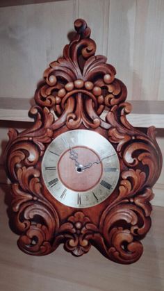 Wood Carving Wall Clock Brands, Wall Clock Online, Antique Wall Clocks, Wood Clocks, Wall Clock Luxury, Mirror Photo Frames, Wall Mirror, Classic Clocks, Wall Clock Design