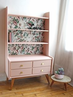 18 ideas retro furniture diy credenzas for 2019 Refurbished Furniture, Repurposed Furniture, Furniture Makeover, Furniture Projects, Home Furniture, Furniture Design, Retro Furniture, Vintage Bedroom Furniture, Furniture Websites
