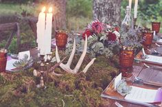Woodland Bohemian Tablescape // photo by Amy Wallen Photography // design by Pink Peony Planning + Design // www.pinkpeonyevents.com
