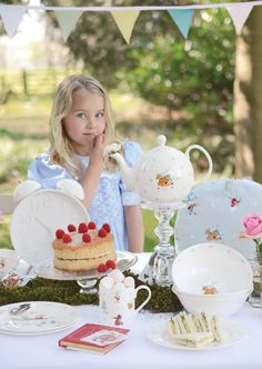 Enter to win a anniversary Alice in Wonderland mug & oven glove by Sophie Allport design Alice In Wonderland Mug, Adventures In Wonderland, Gammon And Chips, Competition Giveaway, Kind And Generous, New China, Oven Glove, Vinyl Music, Cool Gadgets