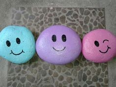 ✓ Best Painted Rocks Ideas, Weapon to Wreck Your Boring Time [Images] Painted Rock Ideas – Do you need rock painting ideas for spreading rocks around your neighborhood or the Kindness Rocks Project? Here's some inspiration with my best tips! Rock Painting Patterns, Rock Painting Ideas Easy, Rock Painting Designs, Pebble Painting, Pebble Art, Stone Painting, Stone Crafts, Rock Crafts, Painted Rocks Kids