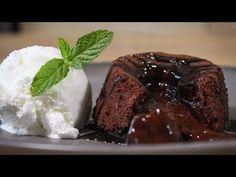 Σίγουρα δεν υπάρχουν πολλοί που να μπορούν να αντισταθούν σε ένα γλυκό, ειδικά όταν αυτό αποτελείται από σοκολάτα.   TASTE   BOVARY   moelleux, σοκολάτα, σουφλέ, ΓΛΥΚΟ, Συνταγή Steak, Jar, Easter, Desserts, Recipes, Food, Youtube, Tailgate Desserts, Deserts