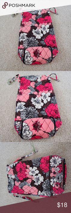 Cheers to You Mocha Rogue Vera Bradley NWOT Cheers to you vera bradley bag, perfect for gifting a bottle of wine or as a stuff sack for a bunch of little things.  Drawstring closure. never used.  Perfect for sharing a holiday gift! Vera Bradley Bags Travel Bags