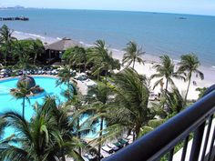 Hilton Hua Hin Resort & Spa http://www.r24.org/beachsiam.com/huahin/hilton/ hotels beach resorts