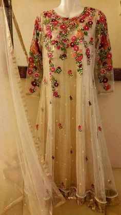 Inbox for Details or Order, Whatsapp/Viber/Call/Message = 0092 3014283040 Colour = Can be Customize Delivery = All Over the World Pakistani Formal Dresses, Pakistani Outfits, Indian Dresses, Embroidery Fashion, Embroidery Dress, Party Kleidung, Anarkali Dress, White Anarkali, Desi Clothes
