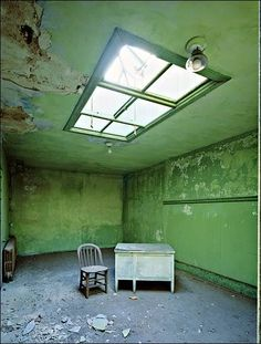 Psychiatric Hospital, Green Room, island 2 | Ellis Island {photo by Stephen Wilkes}