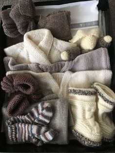 Knitted box