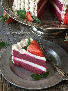 """""""Red Velvet Cake"""" (raw, vegan, gluten-free)"""
