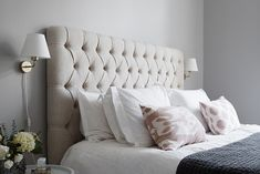 Scandinavian Bedroom Design Scandinavian style is one of the most popular styles of interior design. Although it will work in any room, especially well . Bedroom Inspo, Home Bedroom, Master Bedroom, Bedroom Decor, Beige Headboard, Bedding Inspiration, Scandinavian Bedroom, Guest Bedrooms, Bedroom Styles
