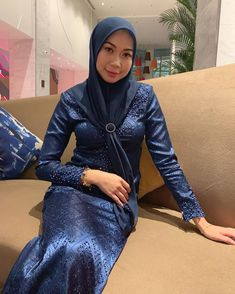 Beautiful Hijab, Beautiful Asian Girls, Beautiful Women, Satin Dresses, Tight Dresses, Kebaya Hijab, Muslim Dress, Girl Hijab, Hijab Chic