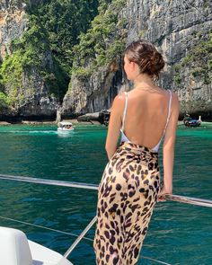 Model Camila Morrone rang in the new year in Thailand, visiting locations where her boyfriend Leonardo DiCaprio shot The Beach nearly 20 years ago. Summer Dream, Summer Of Love, Summer Girls, Summer Days, Leonardo Dicaprio Girlfriend, Camila Morrone, Italy Summer, Camilla, Spring Outfits