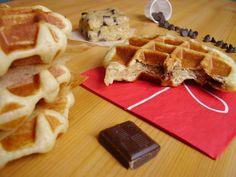 <p>Dans certaines Waffle factory, il est possible de commander une Cookiewaf. En un mot, comme en cent : une gaufre liégeoise moelleuse fourrée avec de la pâte à cookie ! Un goûter TRES gourmand, moelleux et fondant, riche en pépites de chocolat. Bienvenue au royaume de la décadence ! Pour …</p>