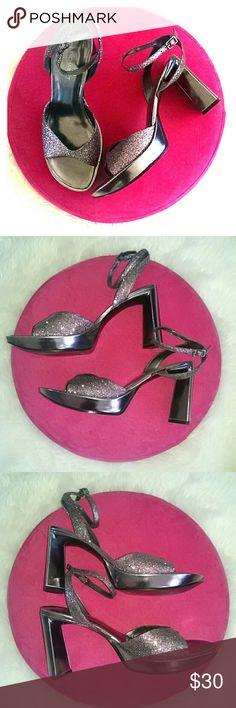 "Nine West glitter bling 4"" platform heels size 9 Super sexy sliver confetti glittery platform sandals. 1"" platform, 4"" heel. In very good, barely used condition. Nine West Shoes Platforms"