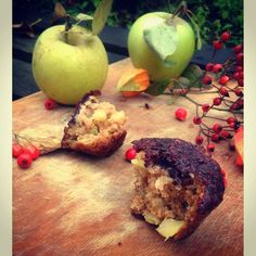 Muffiny z jabłami i glazurą z aronii  #muffiny #muffins #apples #jabłko #maça #apfel #aronia #wypieki #backed #gebäck #pastelaria