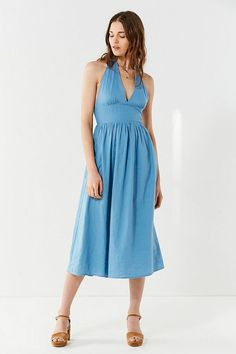 daf394c8f49 Slide View  2  UO Betsey Linen Halter Midi Dress Urban Dresses