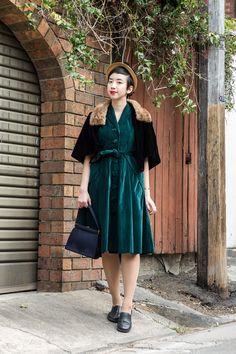 NoraFinds   Vintage Blog Vintage Blogger Sydney   Evelyn Wood 1950s Velvet Dress