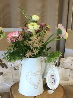 Wild flower table designs Flower Table, Table Designs, Wild Flowers, Barn, Table Decorations, Furniture, Home Decor, Converted Barn, Decoration Home