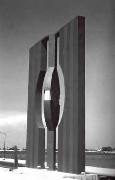 """Escultura de """"Puerta Al Viento"""" de la Ruta de la Amistad por Helen Escobedo 1968 -    """"Puerta Al Viento"""" (Door to the Wind) by Helen Escobedo for the Route of Friendship for the 1968 Summer Olympics in Mexico CIty."""
