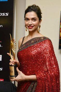 """Deepika Padukone won the """"Woman of the year"""" award during the IIFA 2015 awards ceremony, held in Kuala Lumpur, Malaysia. (Pic: Viral Bhayani)"""