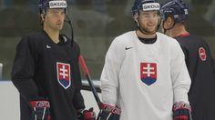 Dominik Graňák a Adam Jánošík počas tréningu deň pred zápasom Slovensko - Dánsko.