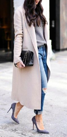 View our simplistic, comfortable & simply cool Casual Fall Outfit inspiring ideas. Get encouraged using these weekend-readycasual looks by pinning your favorite looks. casual fall outfits with jeans Mode Outfits, Fall Outfits, Casual Outfits, Fashion Outfits, Summer Outfits, Casual Dressy, Jackets Fashion, Fashionable Outfits, Classic Outfits