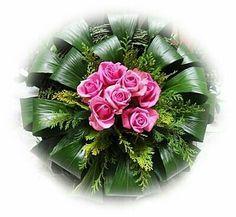 Leaf Flowers, Green Flowers, Floral Centerpieces, Floral Arrangements, Flower Decorations, Wedding Decorations, Modern Floral Design, Flower Rangoli, Arte Floral