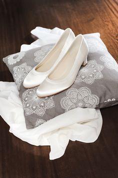 d667e13998a 15 meilleures images du tableau Chaussures de mariée