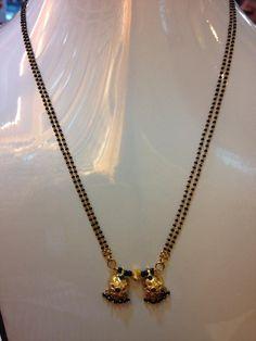 Beaded Jewelry Designs, Gold Earrings Designs, Gold Jewellery Design, Black Diamond Chain, Black Gold Chain, Gold Jewelry Simple, Golden Jewelry, Gold Mangalsutra Designs, Manubhai Jewellers