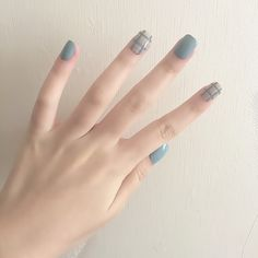Blue Grey Style Diy Art Short Acrylic Fake Sticker Nail Tips With Glue - Nails Tip Nail Art Diy, Diy Nails, Cute Nails, Gel Manicures, Korean Nail Art, Korean Nails, Minimalist Nails, Nail Swag, Faux Ongles Gel