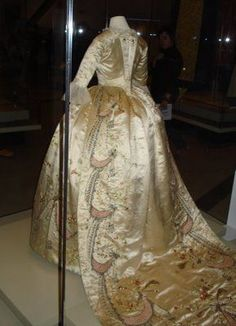 """Marie Antoinette's two- piece court dress, attributed to dressmaker Marie Jeanne """"Rose"""" Bertin, France, 1780s."""