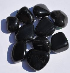 Obsidian helps to protect the very sensitive against depression. It is the stone of the soft-hearted and gentle people of the world. Use obsidian to help block negativity of any kind. As a black gemstone, it symbolizes self control and resilience. Black stones have protective energies in the sense that black is the absence of light, and therefore, can be used to create invisibility.