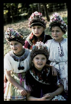 From Váralja, NHA Néprajzi Múzeum | Online Gyűjtemények - Etnológiai Archívum… Folk Costume, Costumes, Shaman Woman, Bridal Headdress, Hungarian Embroidery, Bridal Crown, Stylish Girl, Traditional Dresses, Kids Playing