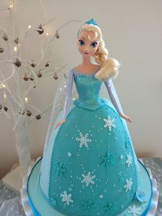 Frozen Elsa birthday cake. Made for my daughter's 5th birthday. By Shelly - www.facebook.com/lolliandshell