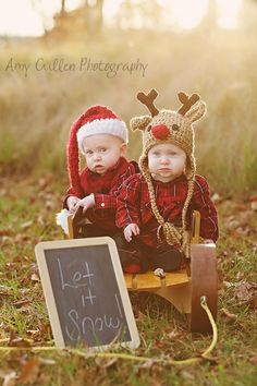 Be Inspired: Chalkboards » Confessions of a Prop Junkie / Christmas Photo Session Idea / Family / Child Photography / Holiday Card Ideas